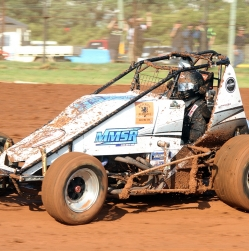Wingless racers getting in shape for 100 lap marathon
